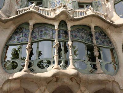 voyage-groupe-espagne-barcelone-baroque-gaudi-barcelone-vitrail
